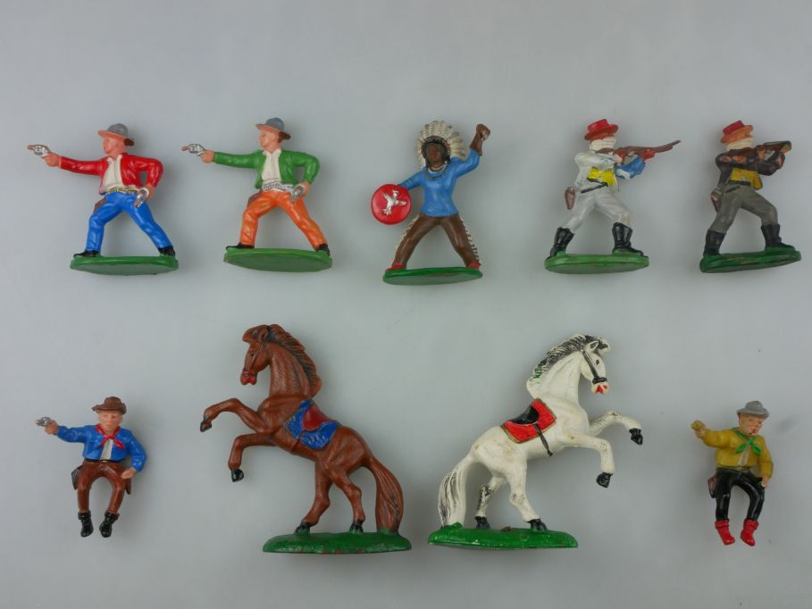 DDR Western Gummi Cowboys Pferde Figuren Reiter 9x F. Fischer 116754