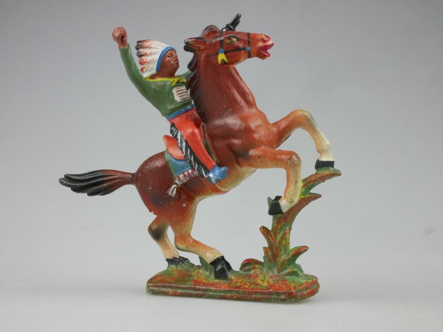 DDR Western Gummi Indianer Reiter grün Pferd E. Bayer 116758