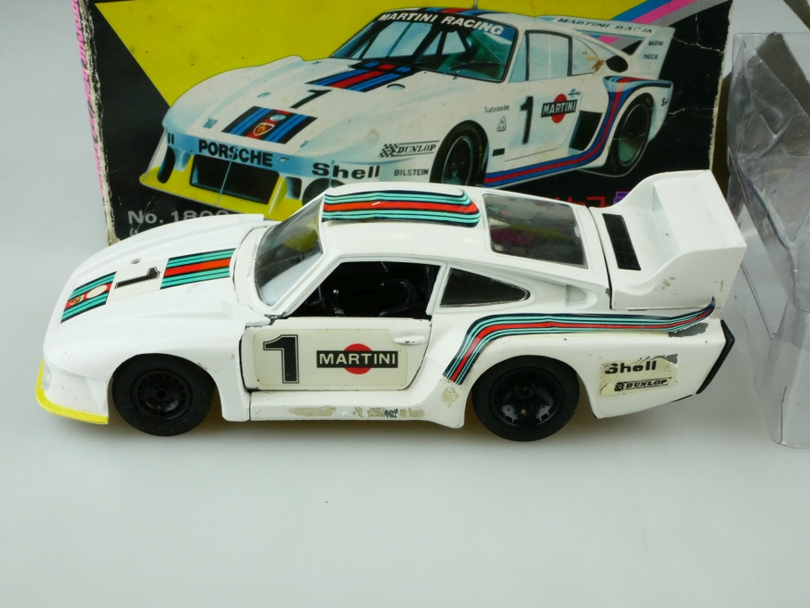 1800 Eidai Grip 1/28 Porsche 935/77 Turbo Coupe Martini Racing mit Box 512574