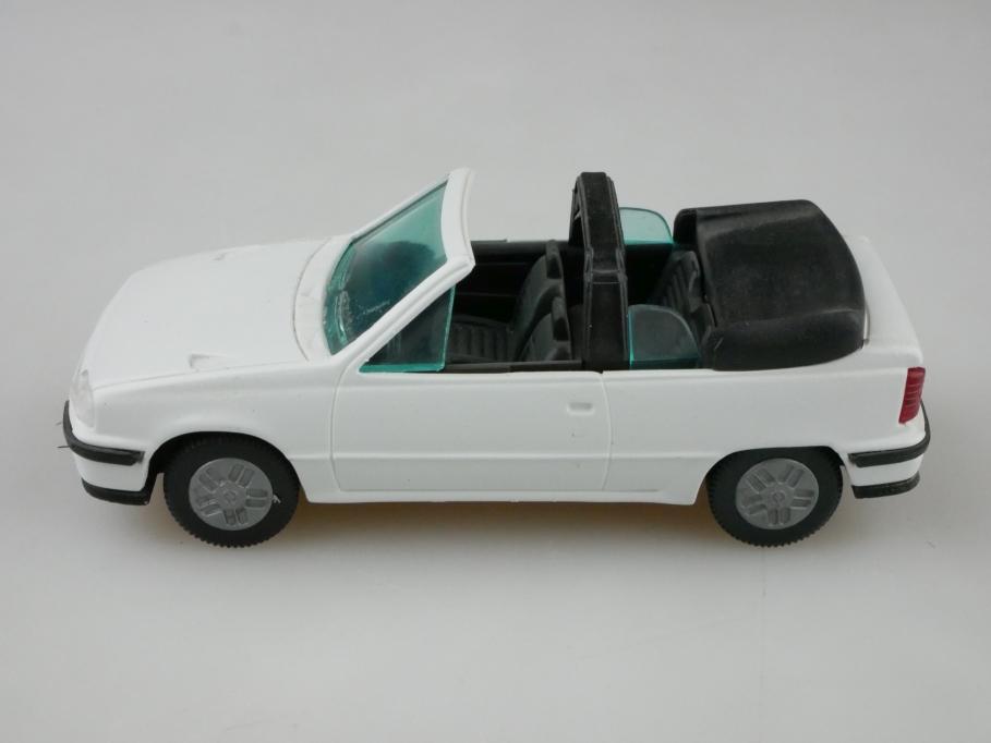 81135000 Gama 1/43 Opel Kadett E GSI Cabrio Convertible weiß mit Box 512636