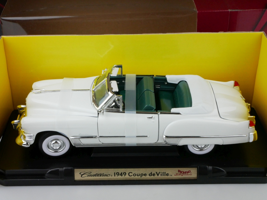 Road Signature 1/18 Cadillac Coupe de Ville Convertible 1949 mit Box 512652