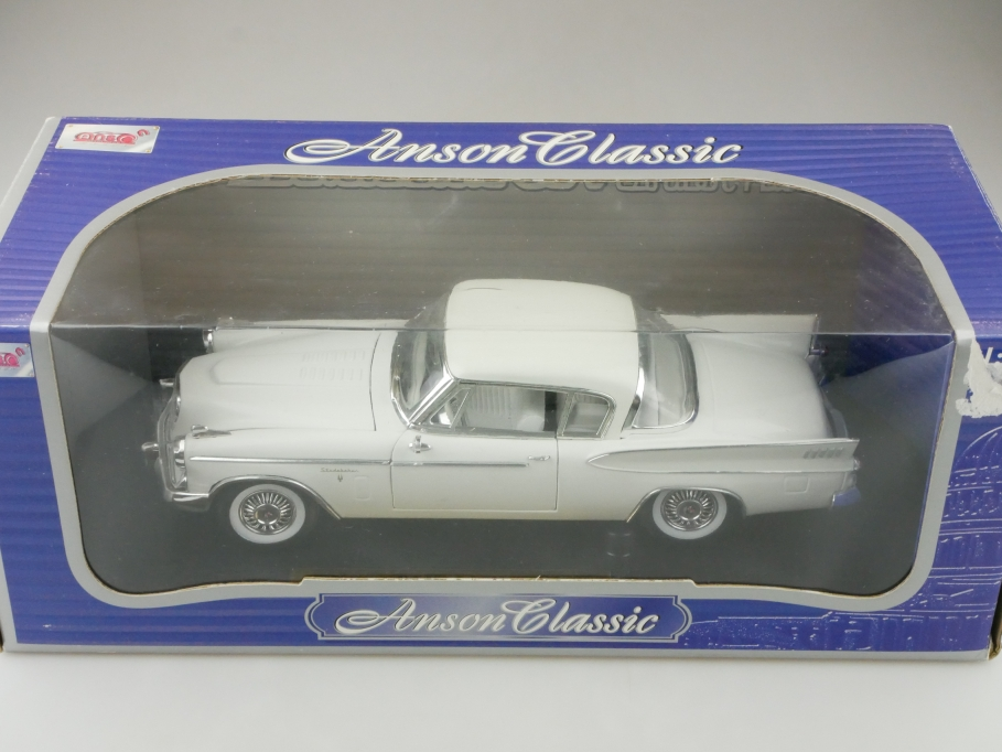 Anson 1/18 Studebaker Golden Hawk Coupe weiß mit Box 512657