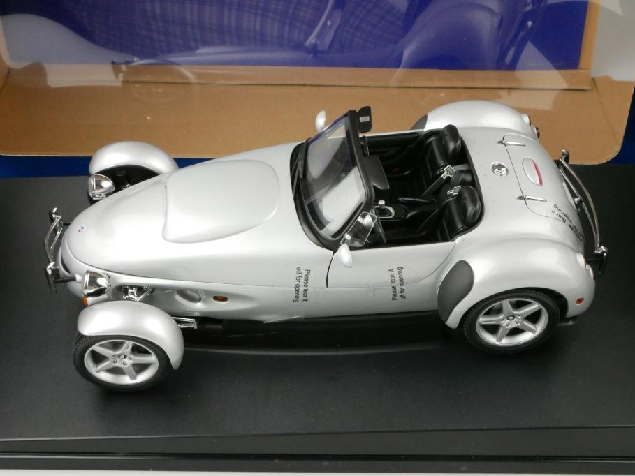 78212 Autoart 1/18 Panoz AIV Roadster 1996 silvermetallic mit Box 512671