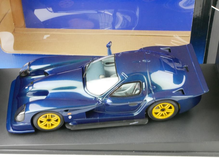 78201 Autoart 1/18 Panoz Esperante GTR 1 Streetcar 1998 Flip Flop purple 512672