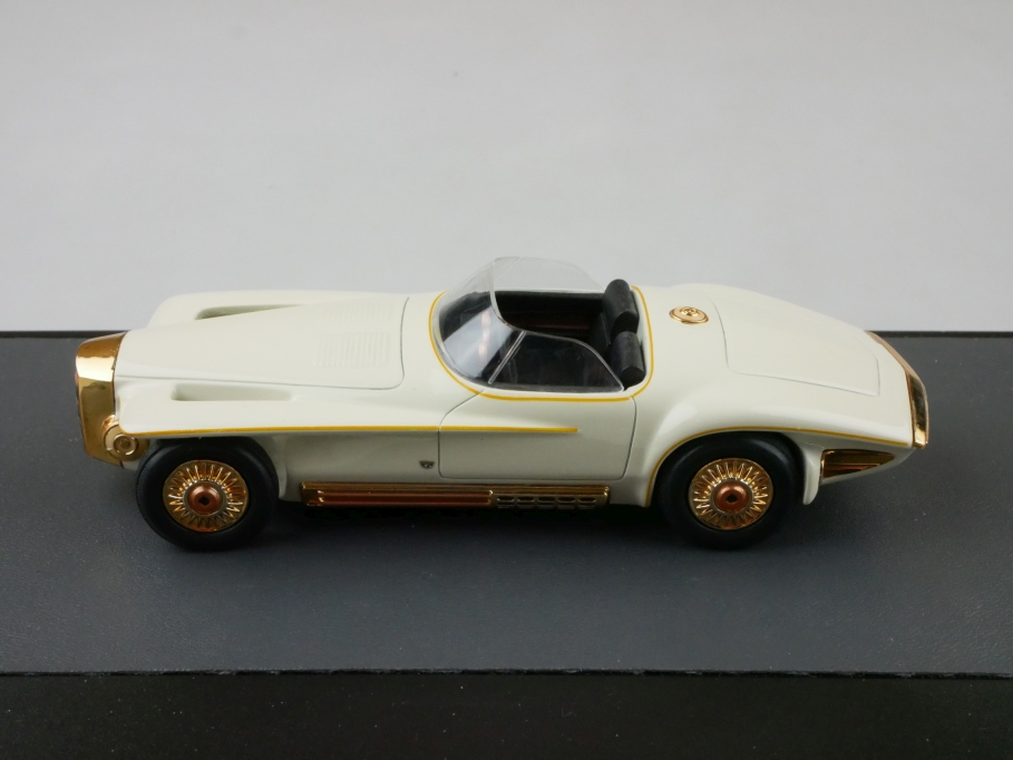 Matrix 1/43 Mercer Cobra Exner Concept 1965 white copper 64 of 400 Pieces 512675