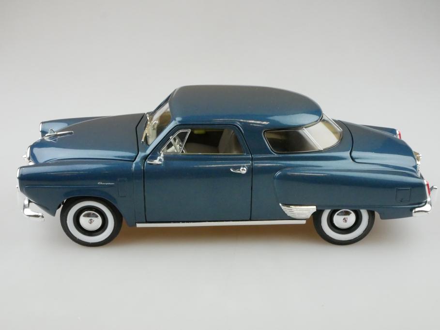 Road Signature 1/18 Studebaker Champion Coupe 1950 bluemetallic ohne Box 512722