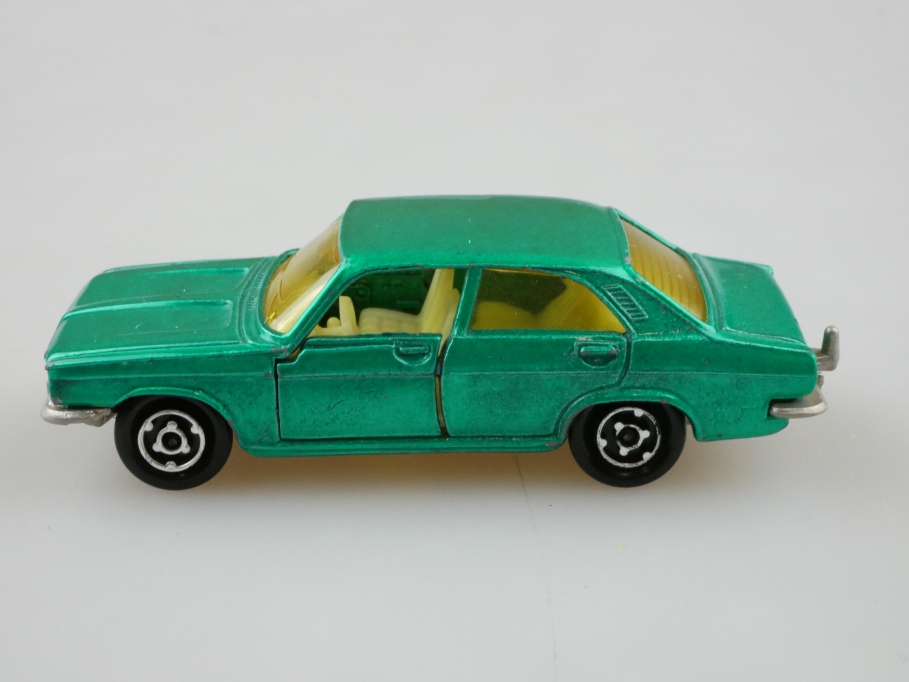 208 Majorette 1/60 Chrysler 180 greenmetallic ohne Box 512726