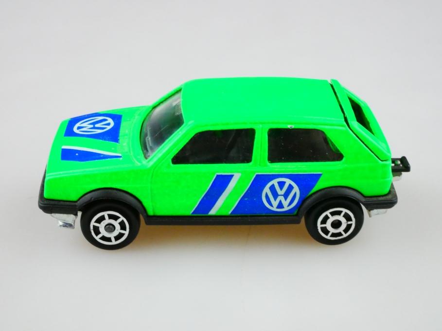 235 Majorette 1/56 Volkswagen VW Golf 2 GTI  leuchtgrün ohne Box  512875