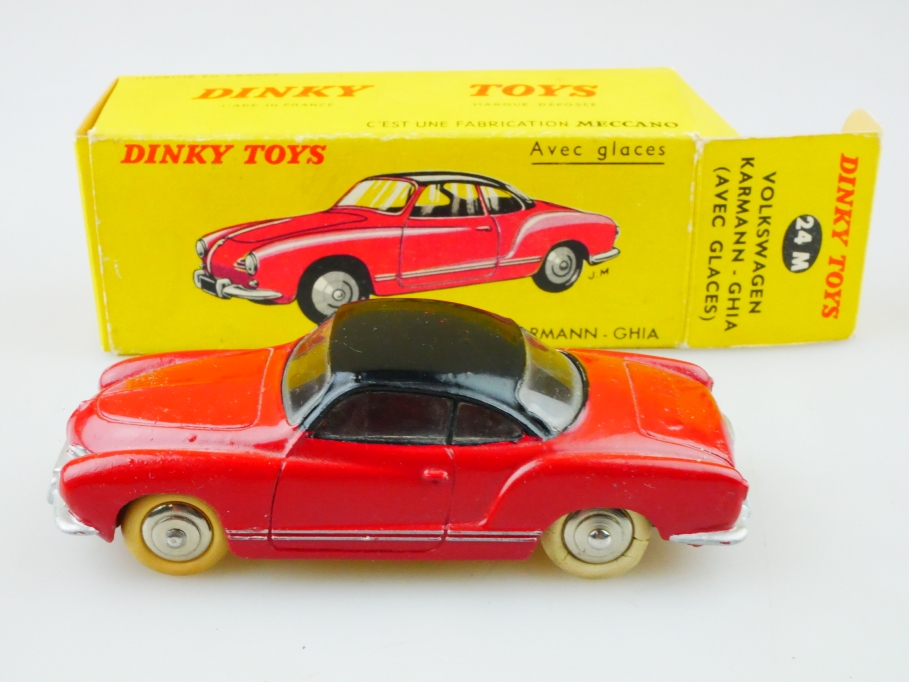 24M Dinky Toys 1/43 VW Volkswagen Karmann Ghia Coupe Typ 14 mit Box 512984