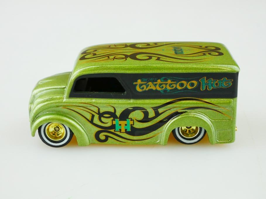 Hot Wheels 1/64 Treasure Hunt Dairy Delivery Tattoo Custom Van ohne Box 513028