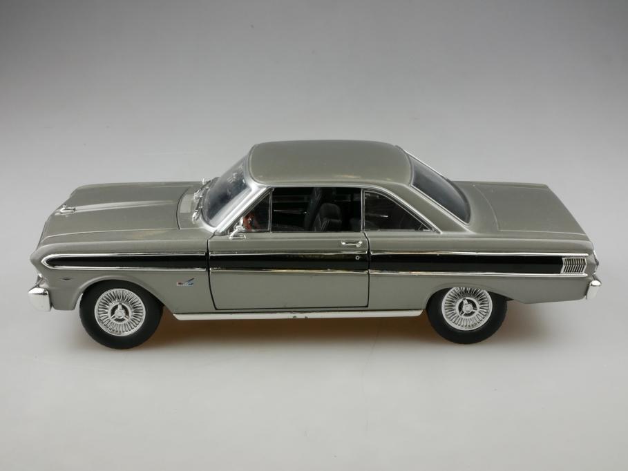 Road Signature 1/18 Ford Falcon Hardtop Coupe 1964 ohne Box 513332