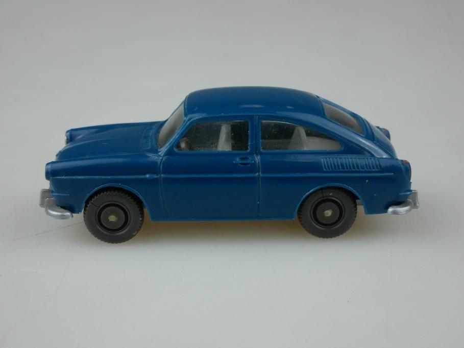 Saure 309 Wiking 1/87 VW 1600 Fließheck ozeanblau ohne Box 513344