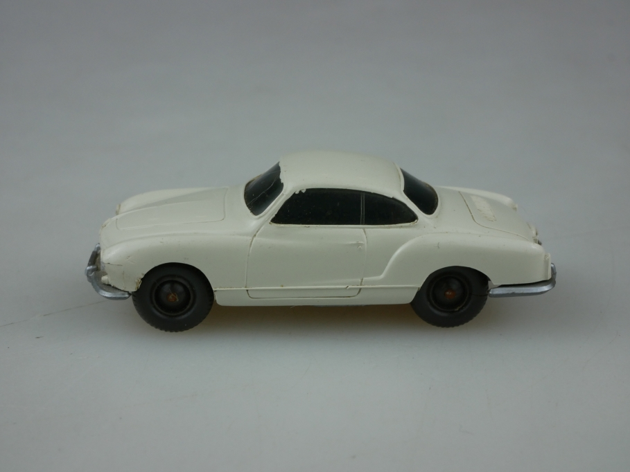 Saure 306 Wiking 1/87 VW Karmann Ghia Coupe perlweiß ohne Box 513346