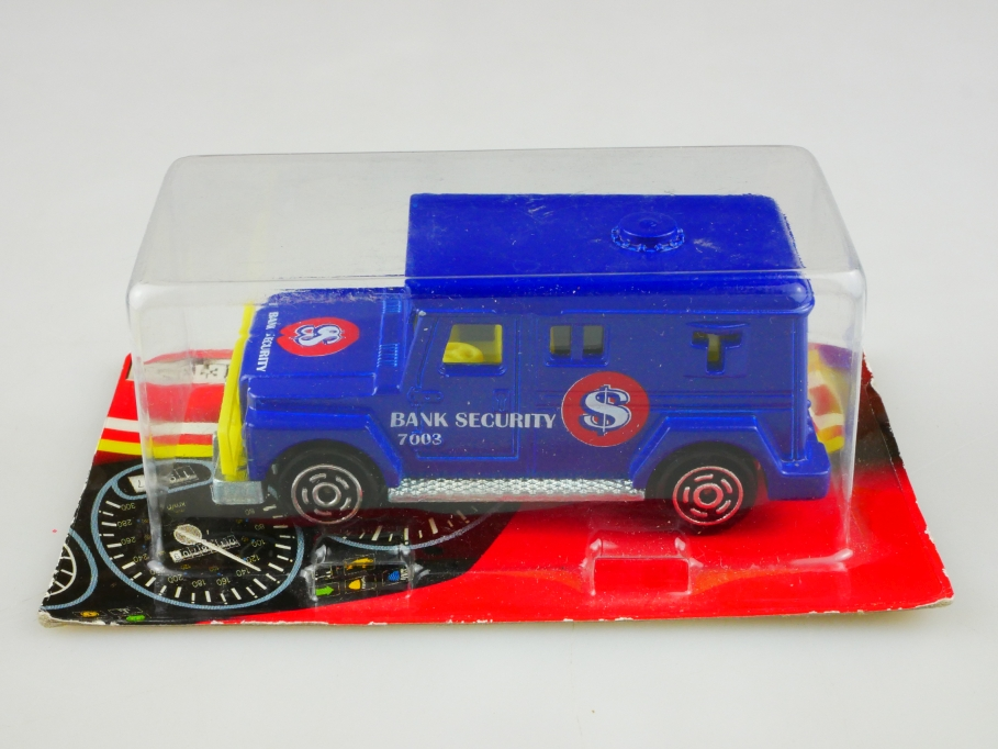 204 Majorette 1/57 International Bank Security Armored Car mit Box 513494