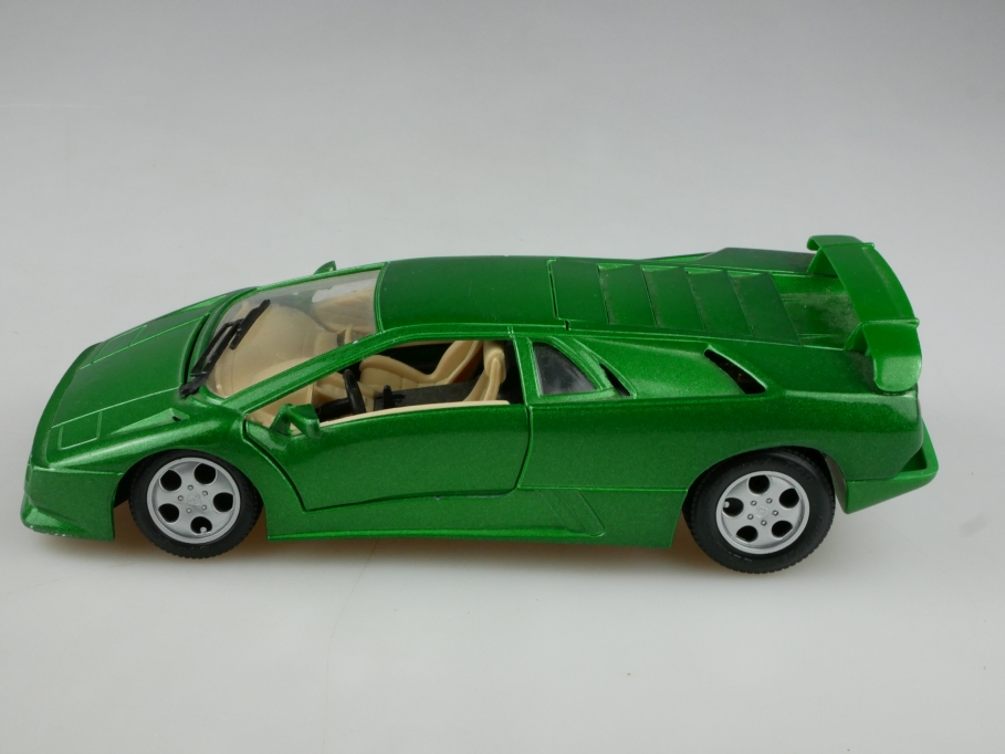 Playbear 1/24 Lamborghini Diablo SE greenmetallic ohne Box 513540