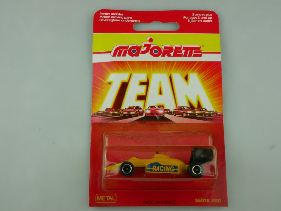 238 Majorette 1/55 Ferrari Formel 1 Racing Team Serie 200 gelb mit Box 513568
