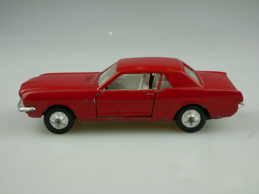 147 Solido 1/43 Ford Mustang Hardtop Coupe 3/66 Defekt ohne  Box 513732