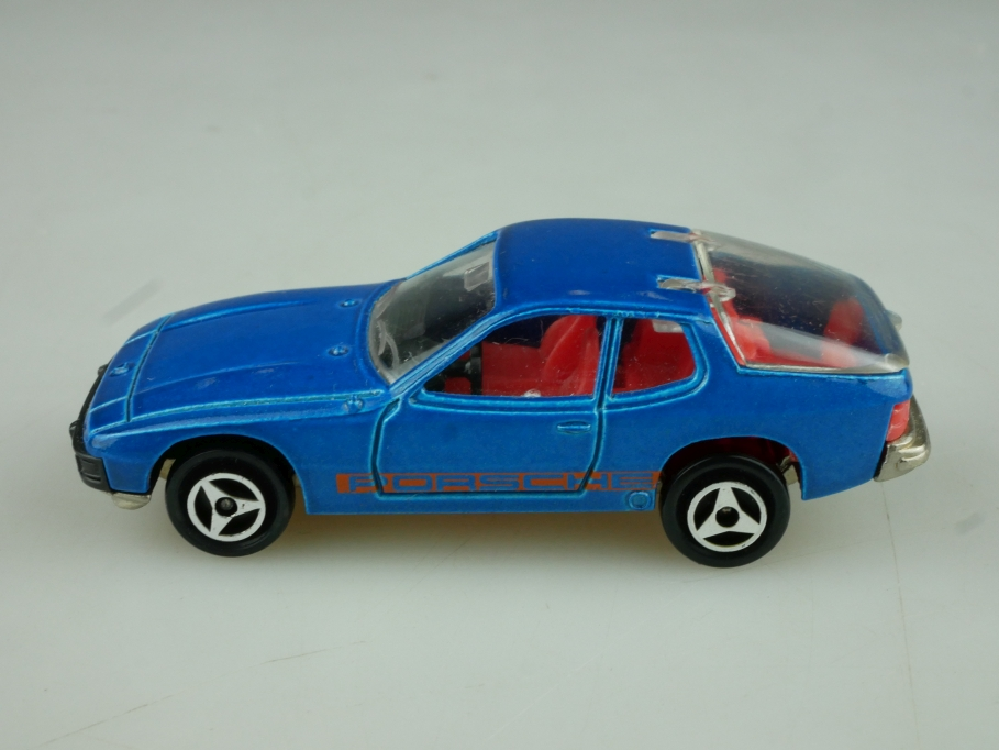 247 Majorette 1/50 Porsche 924 Coupe bluemetallic ohne Box 513814