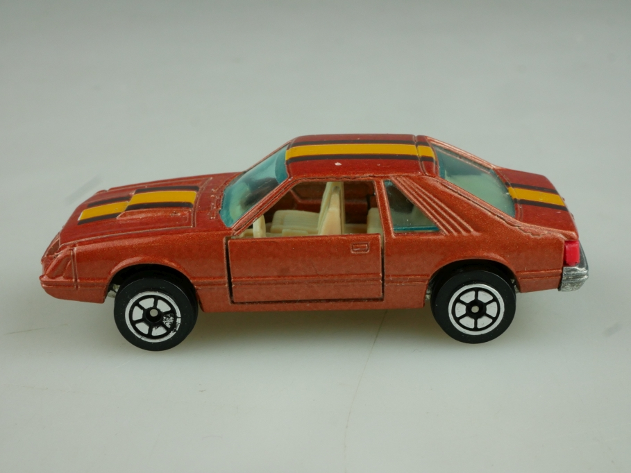 1067 Yatming 1/64 Ford Mustang Turbo Cobra Coupe darkorangemet. ohne Box 513822