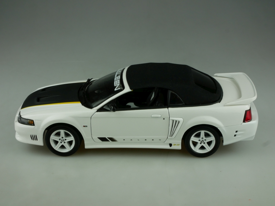 Joyride Ertl 1/18 Saleen SA 20 Spider 2004 white with Softtop ohne Box 513863