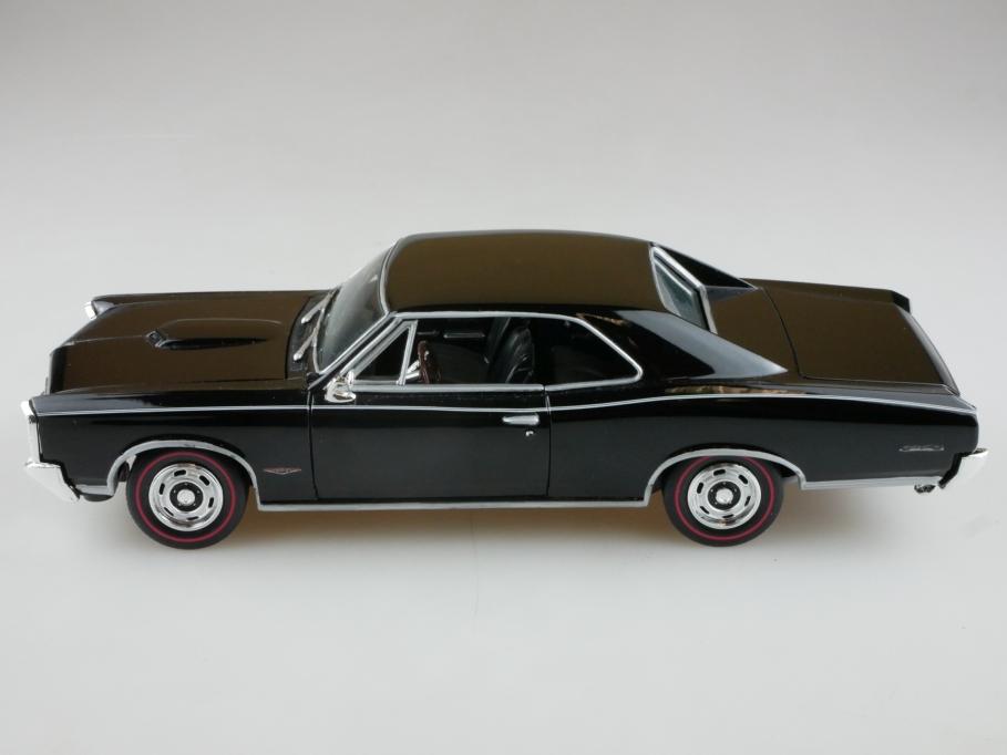 Classic Metal Works 1/24 Pontiac GTO Hardtop Coupe 1966 black ohne Box 513966