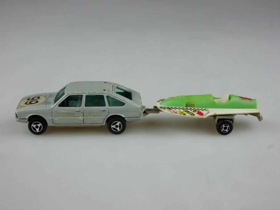 240 Majorette 1/60 Simca 1308 Chrysler mit Rennboot Trailer ohne Box 513991