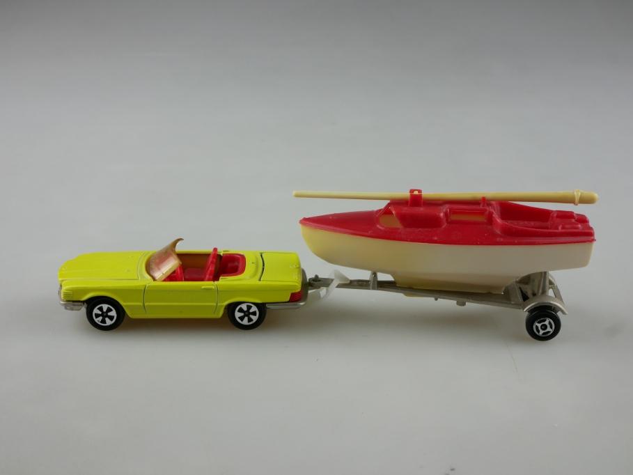 213 Majorette 1/60 Mercedes Benz 350 SL Roadster W 107 mit Boat ohne Box 514168