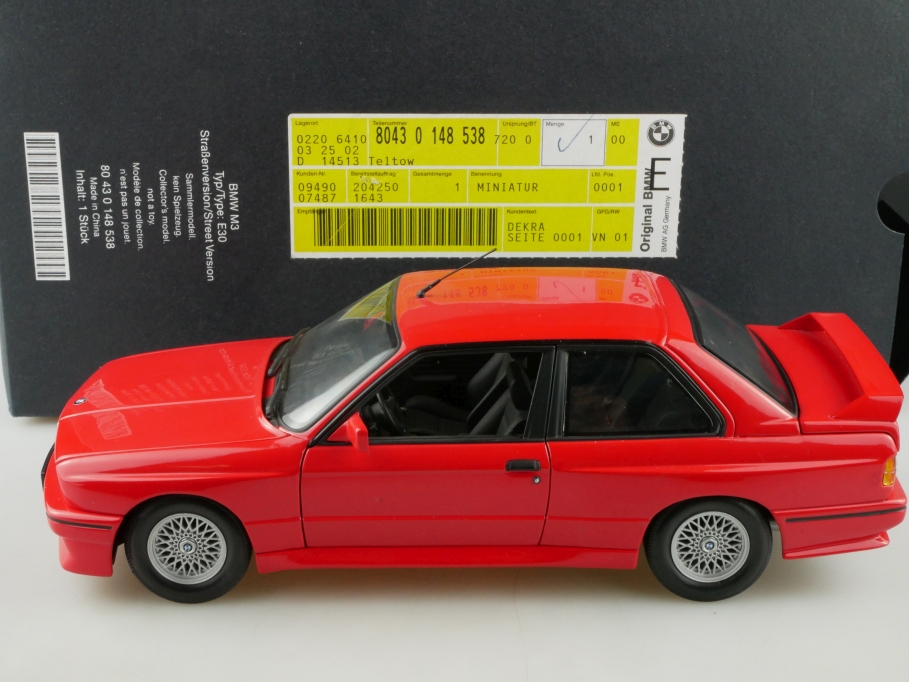 80430148538 Minichamps 1/18 BMW E30 M3 Streetversion Händleredition Box 514341