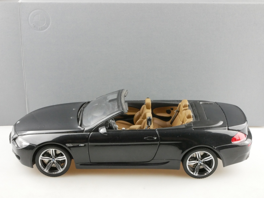 80430417424 Kyosho 1/18 BMW M6 Convertible darkgrey Händleredition Box 514342