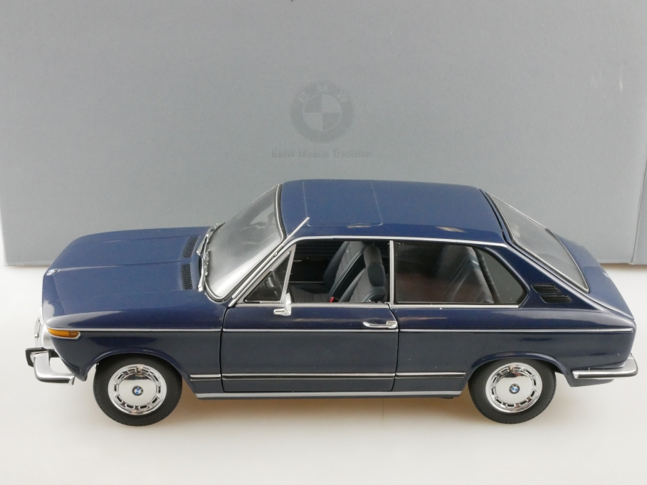 Minichamps 1/18 BMW 1600 Touring 1971 royalblau Händleredi. mit Box 514354