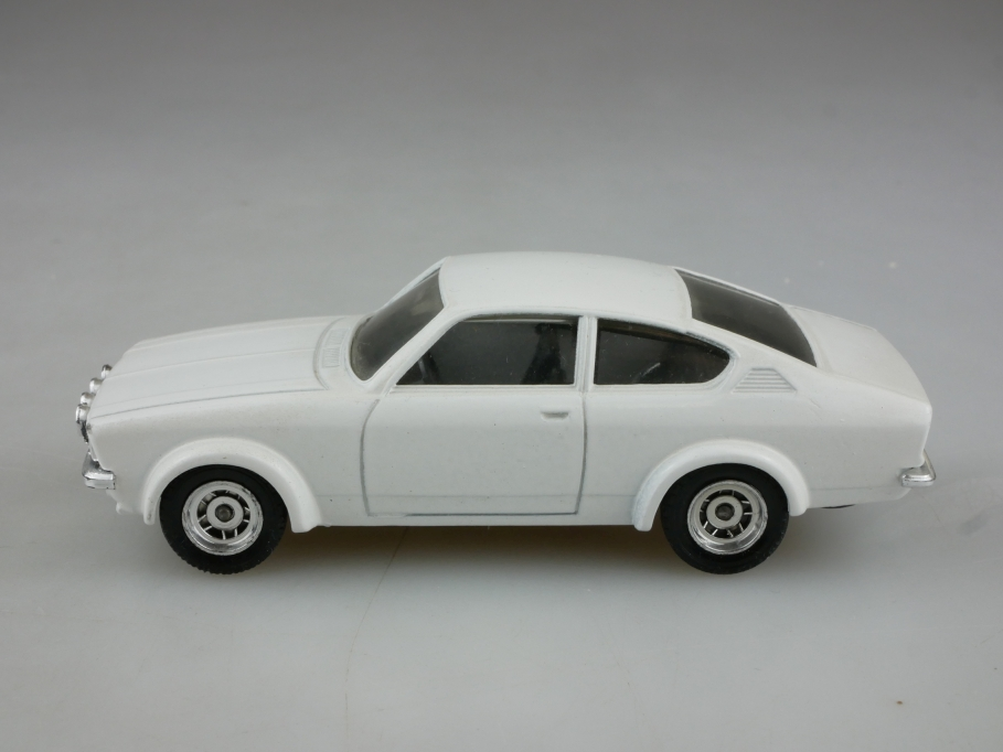 70 Verem 1/43 Opel Kadett C GTE Coupe 11.78 white ohne Box 514411