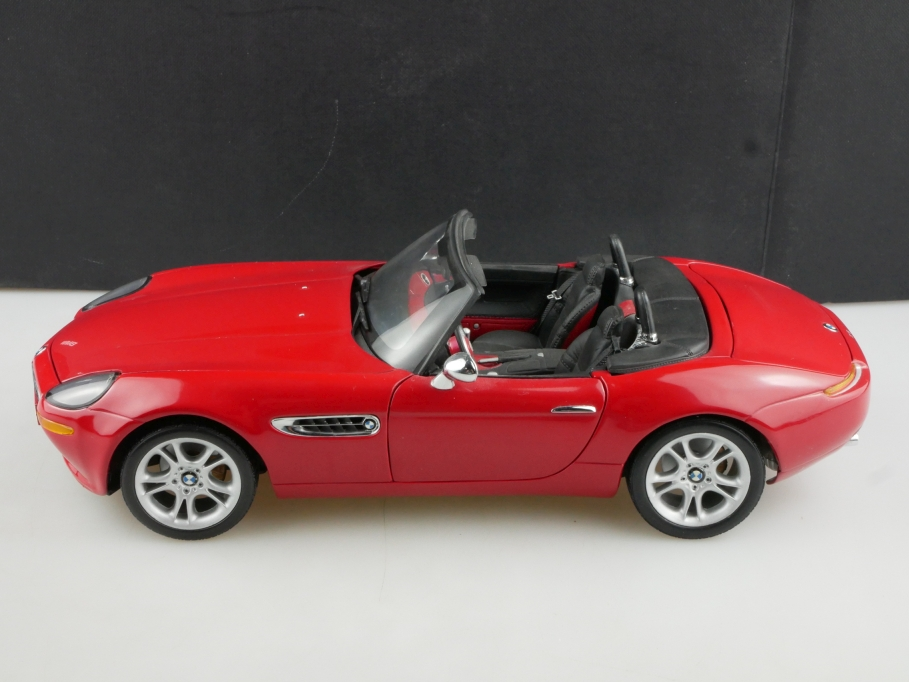 Kyosho 1/18 BMW Z8 E52 Roadster mit Hardtop red Händleredition mit Box 514434