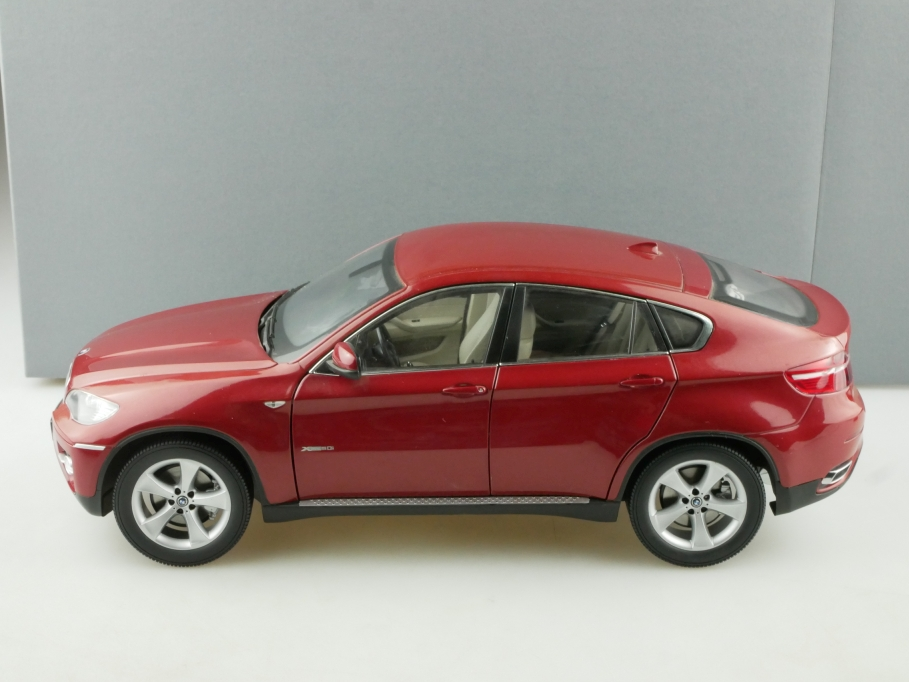 Kyosho 1/18 BMW X6 x Drive 5,0i vermilionrot Händleredition mit Box 514515