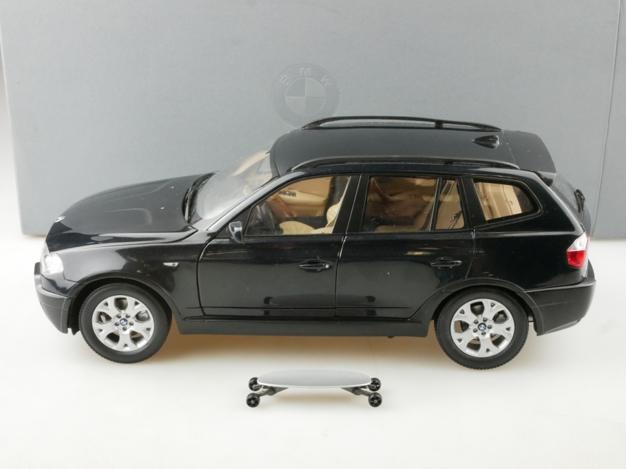 Kyosho 1/18 BMW X3 3,0i SUV mit Scateboard black Händleredition mit Box 514522