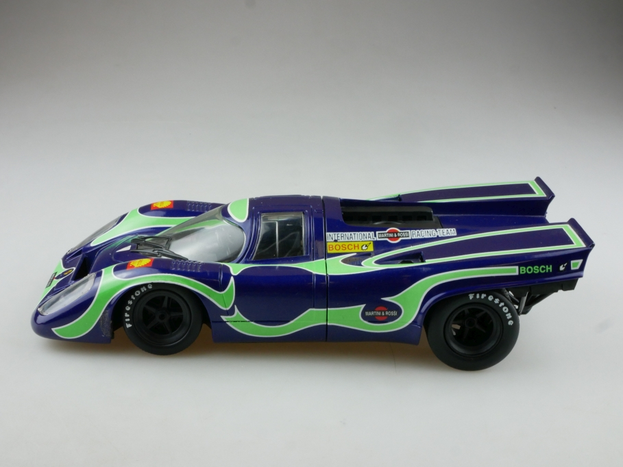 Universal Hobbies 1/18 Porsche 917 Martini Racing Team ohne Box 514535