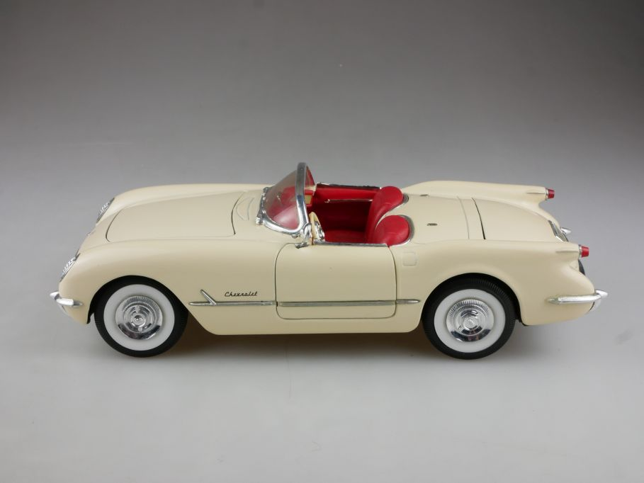 Mira by Solido 1/18 Chevrolet Corvette Roadster 1953 cremeweiß ohne Box 514709