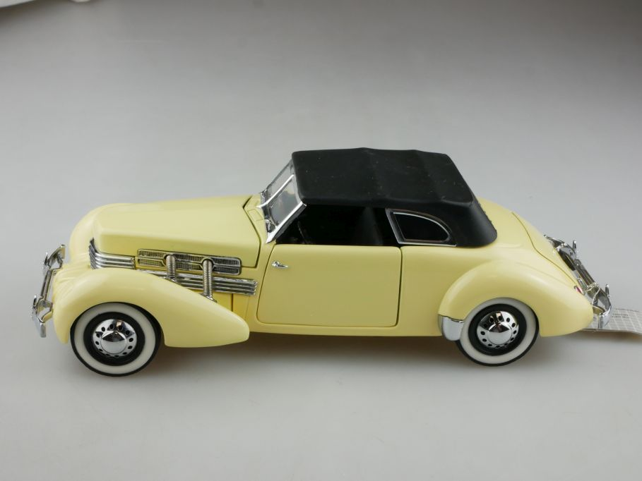 Franklin Mint 1/24 Cord 812 Convertible 1937 Cabriolet ohne Box 514725