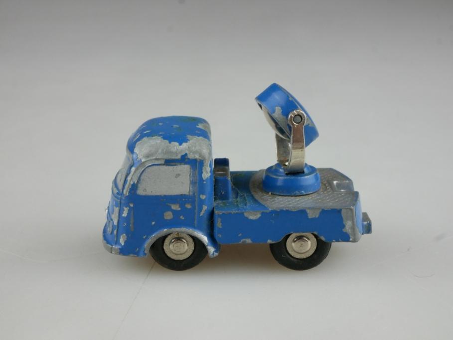 755 Schuco Piccolo 1/90 Mercedes Benz LP Truck LKW mit Suchscheinwerfer 514755