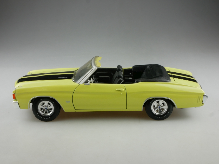 Maisto 1/18 Chevrolet Chevelle SS Convertible 1972 yellow black ohne Box  514908