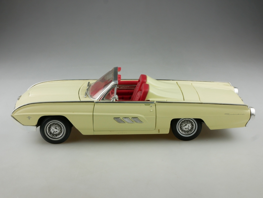Anson 1/18 Ford Thunderbird Roadster 1963 Convertible yellow ohne Box  514911