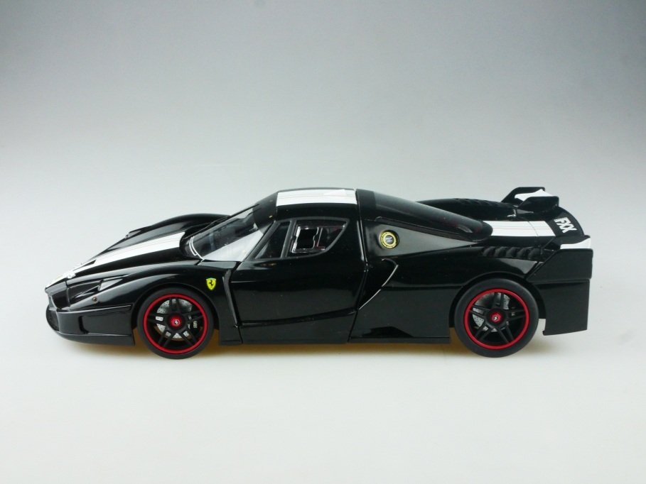 Hot Wheels 1/18 Ferrari FXX Coupe Supersportwagen black ohne Box 515170