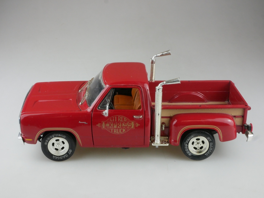 Ertl 1/18 Dodge Little red Express Truck Stepside Pickup ohne Box  515193