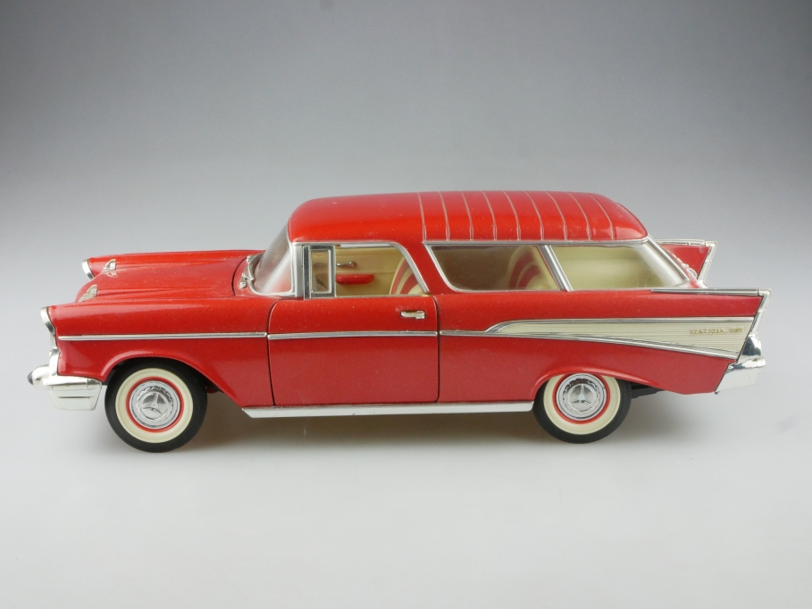 Road Tough 1/18 Chevrolet Bel Air Nomad 1957 Sport Stationwagon  515197