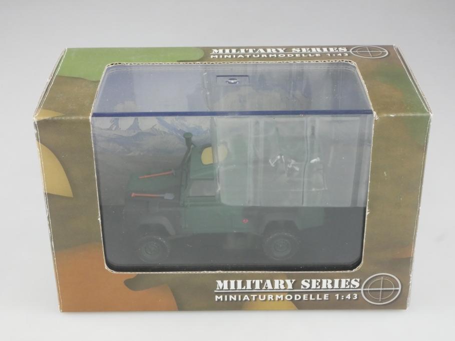 Schuco 1/43 Military Land Rover 110 Pickup UK 2000 mit Box 515598