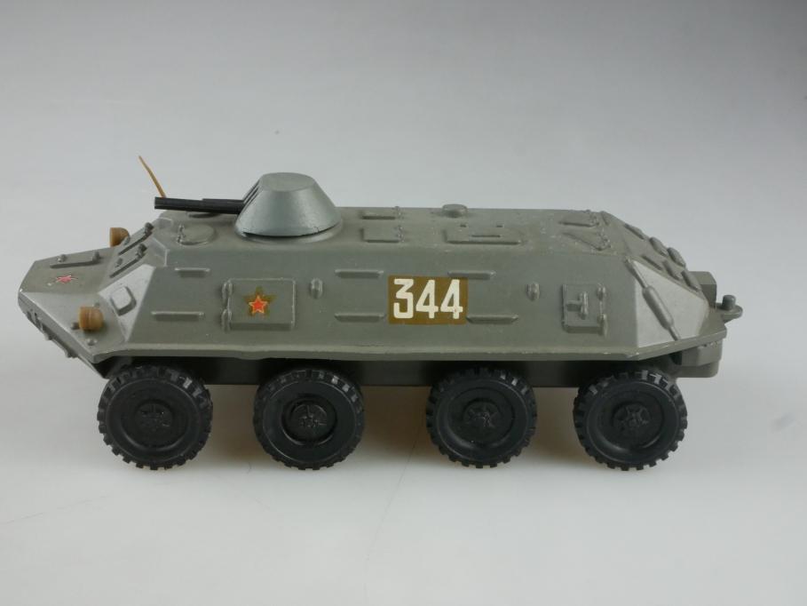 Novoexport 1/43 BTR 60 russischer Panzerwagen NVA DDR ohne Box  515645