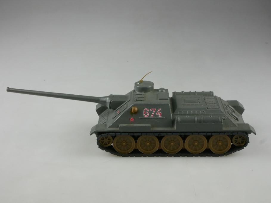 Novoexport 1/43 SU 100 Sovjet Panzer Tank NVA DDR olivgrau ohne Box  515647