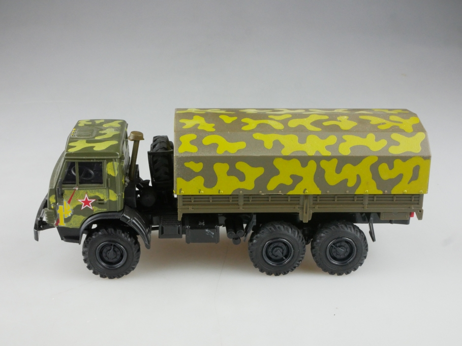Elekon 1/43 Kamaz 4310 6x6 Pritsche Plane Militär cccp USSR ohne Box 515845