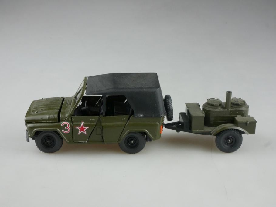 Novoexport 1/43 UAZ 469 A 34 Jeep mit Feldküche DDR cccp USSR Bastler 515927