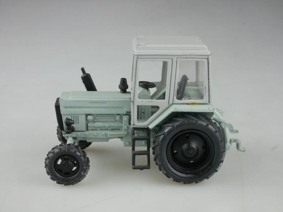 Novoexport 1/43 Belarus MTZ Traktor Schlepper  DDR cccp USSR grau 515932
