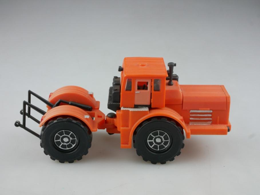 Novoexport 1/43 Kirovetz Kirovitch 4-50 Traktor Plastik cccp USSR DDR 515990